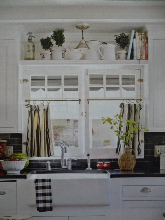 Homemade Kitchen Curtains | eHow.com